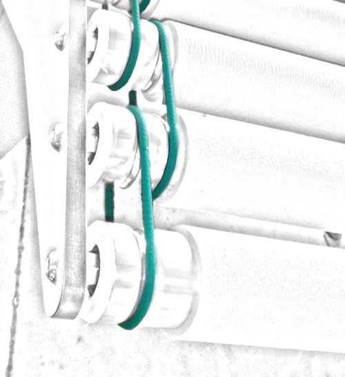Infeed belts cons